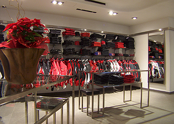 Clothing stores in Moena - Gallery - Photo ID 608